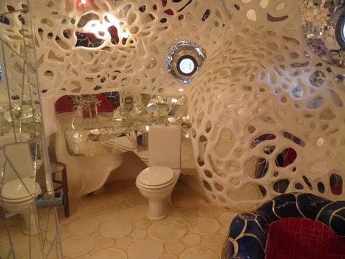 68 . Bagno Con Gradino Foto: Vasca da bagno con copertura pieghevole ...
