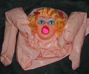 bambola gonfiabile scherzo